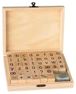 46910 - ABC Stempel-Set - Klein-Buchstaben - 44-teilig je ~2x2 cm + 2 Stempelkissen -