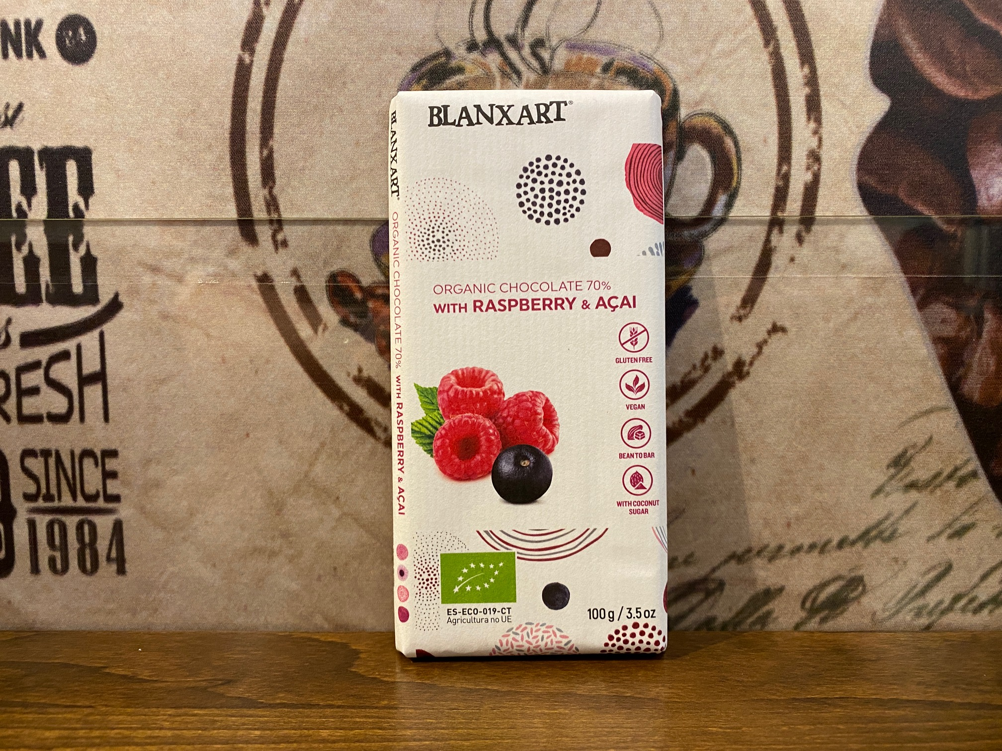 BLANXART Organic chocolate 70 % with Raspberry & Acai