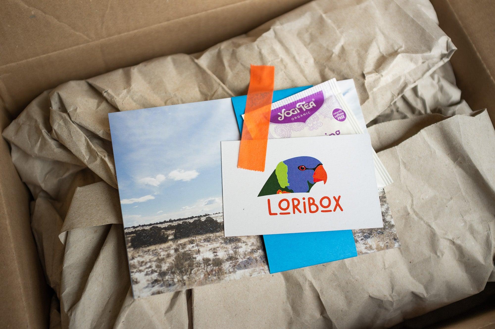 Geschenk von Loribox für dich: Postkartenset